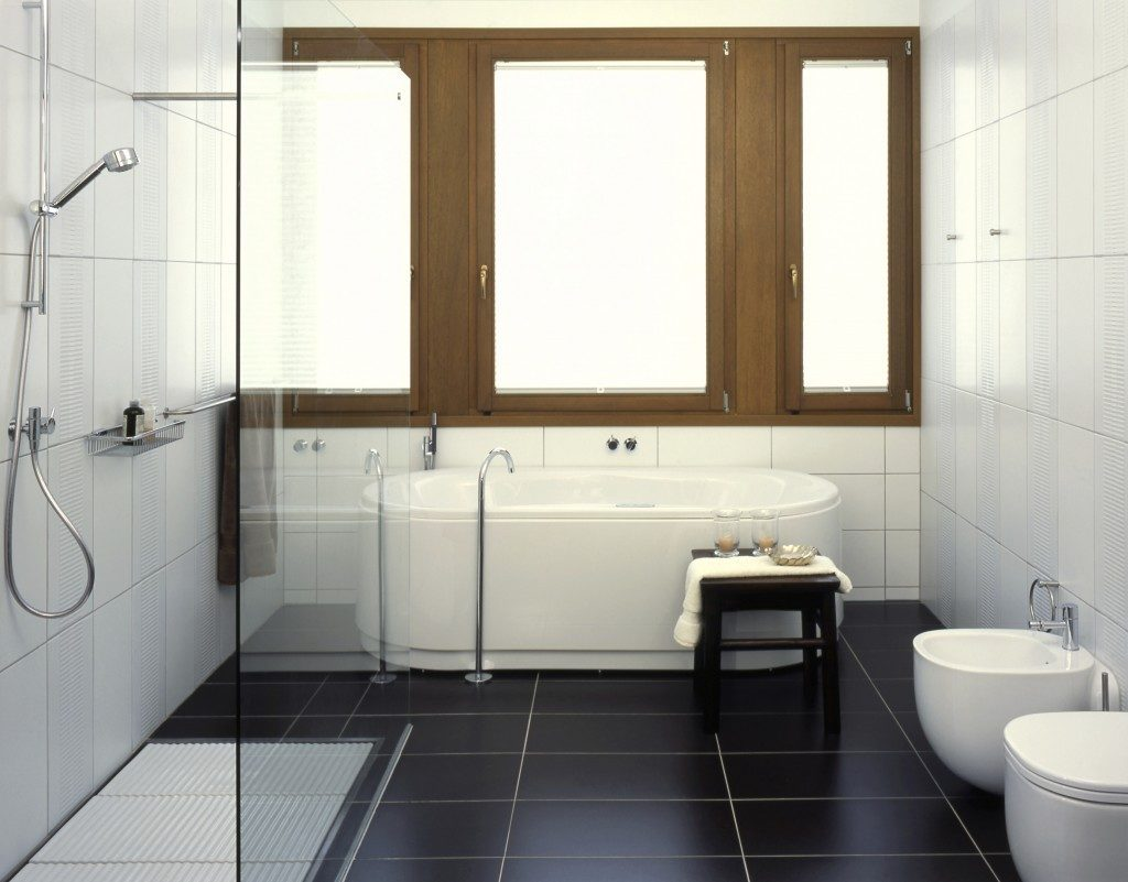 5 Ways To Add Natural Light To Your Bathroom