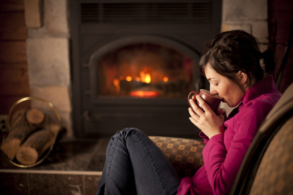 4 Ways to Keep Your Home Warm & Cozy for the Holidays