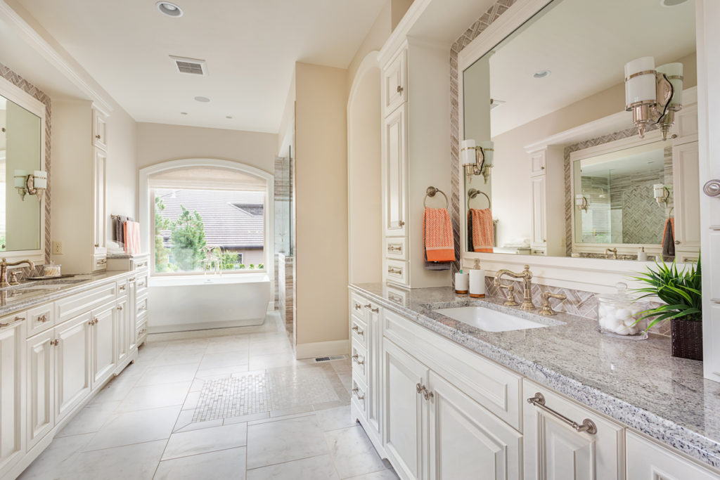5 Ways To Bring Natural Light To Your Bathroom